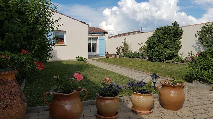 "Villa "" Sereine"" calme et lumineuse"