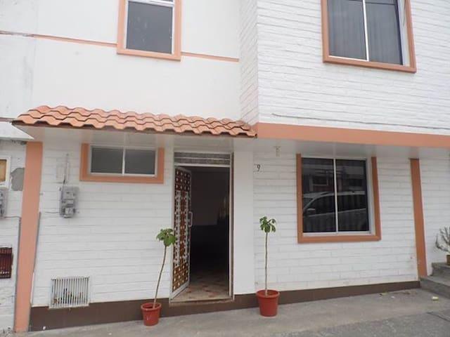 INCLUYE PARKING - Otavalo - Ev