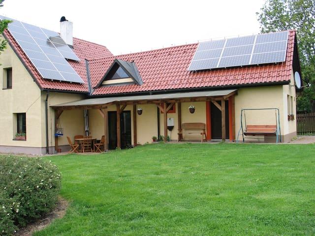 Ruhige Ferienwohnung im Dorf Taneček