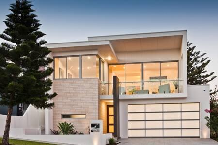 Luxury House in Trigg - Trigg - บ้าน