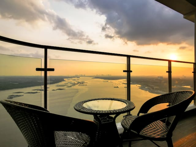 【3BR Seaview!!】RentRadise Marina Suite【8 PAX!!】
