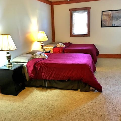 Comfortable Room in Historic Lodge - Haines