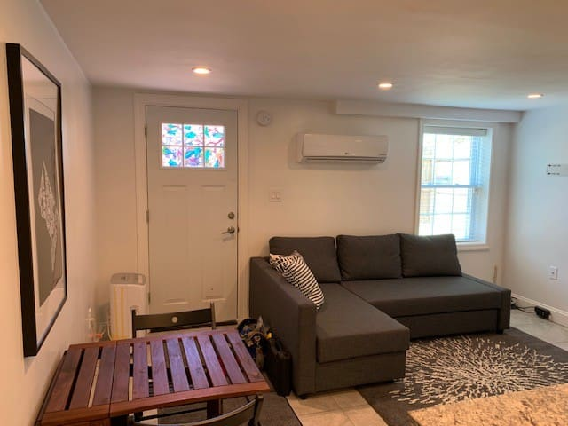 Modern Sunny apartment walking distance to H St!