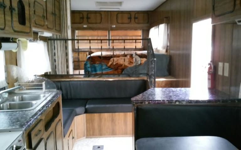 Silver Lake rental close to lake - Mears - Camper/Roulotte