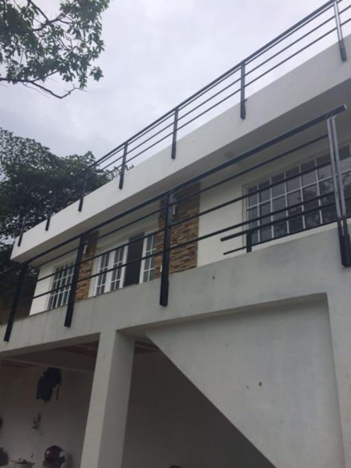 casa de 3 pisos con excelente vista