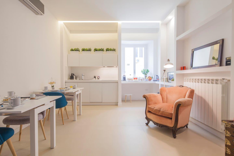Living and breakfast room  *Petit B&B by Starhost*  #starhost