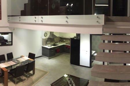 AMAZING LOFT complet modern acogedor LUXURY - Quito