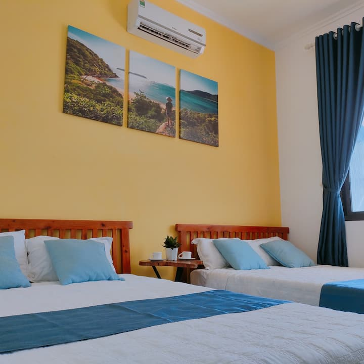 Sunbay Homestay - Family Room with sea view