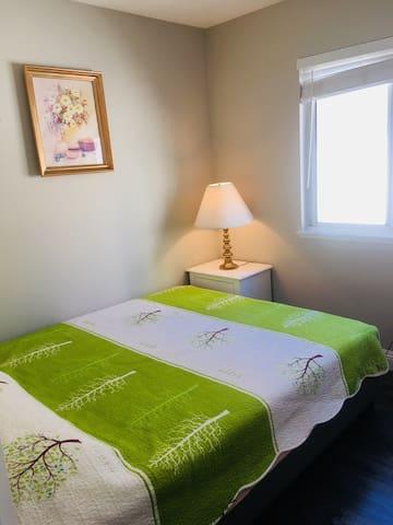 洛杉矶尔湾独栋别墅中的房间 ,小区环境优美、治安非常好、适合 旅游度假 商务休闲待产