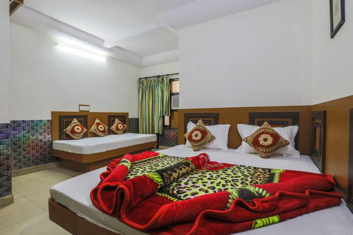 Affordable Stay for 3 pax in Paharganj