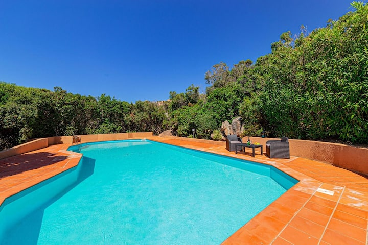 Villa Ambra white - Sardinia Unlimited