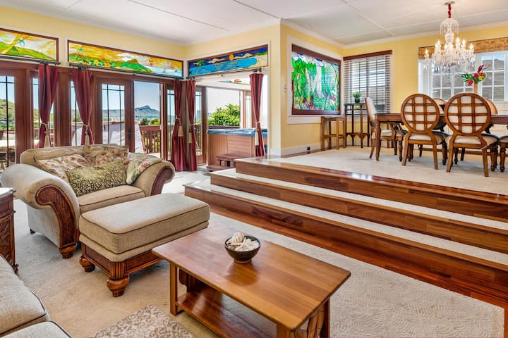 Manoa Valley Duplex with Mountain and Ocean Views