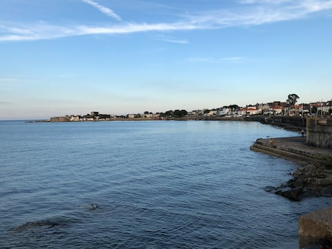 Sandycove bay, just a few minutes away