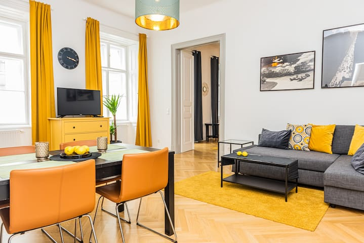 1st district Vienna Piano Design Apartment