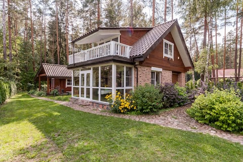 Glukas House - forest & lake panorama