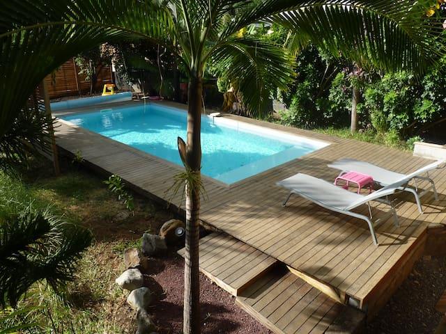 Villa tropicale dans jardin exotique - Etang-Salé les Hauts