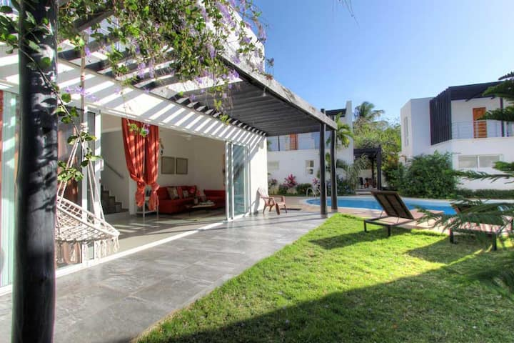 PrivatVilla-AC-WiFi-NearBeach-SharedPool-YellowKey