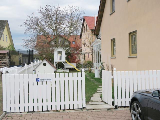 Eingang in den Garten