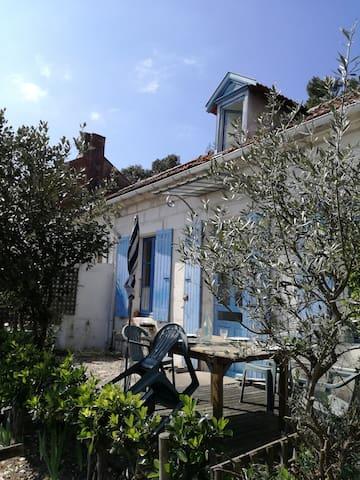 Charmante maison de pays - Saint-Trojan-les-Bains - Дом