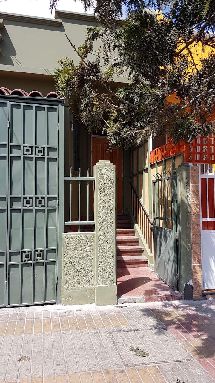 HABITACION EQUIPADA - FAMILIAR  SERVICIOS HOSTEL