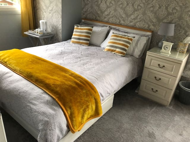 Lovely double room with breakfast included