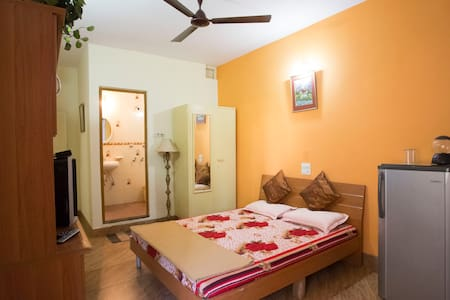 Room in a Villa at Miramar Beach, Panjim - Panjim - Pis