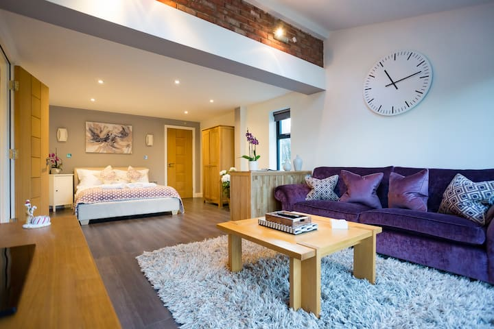 Self-Contained Boutique Suite, Ilkley