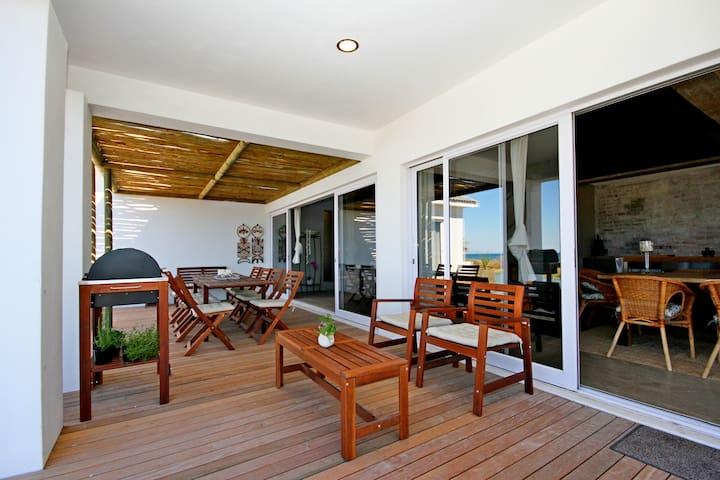 Mustique Self Catering Beachfront Villa