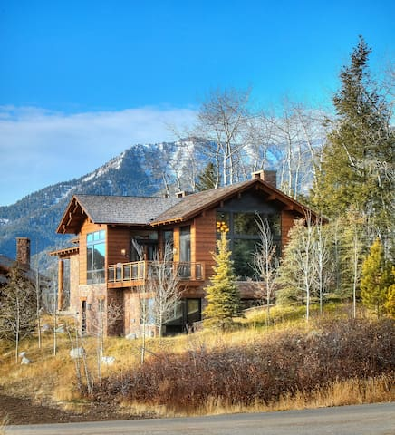 Luxury Mountain Lodge! Hot Tub and WiFi - Teton Village - Rumah
