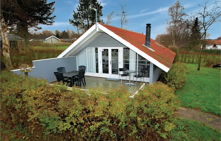 Holiday cottage with 2 bedrooms on 46 m² in Hejls