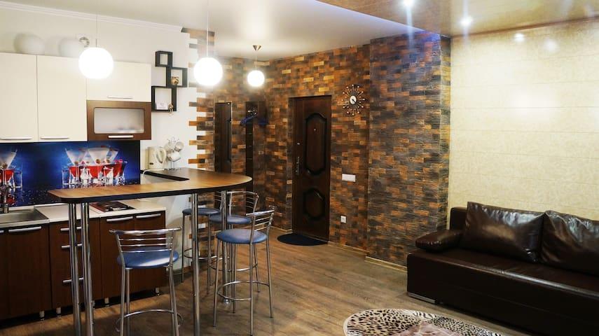 Квартира- студия с двумя спальнями