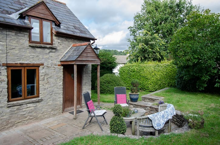 Crispin Cottage 1 bedroom private accommodation