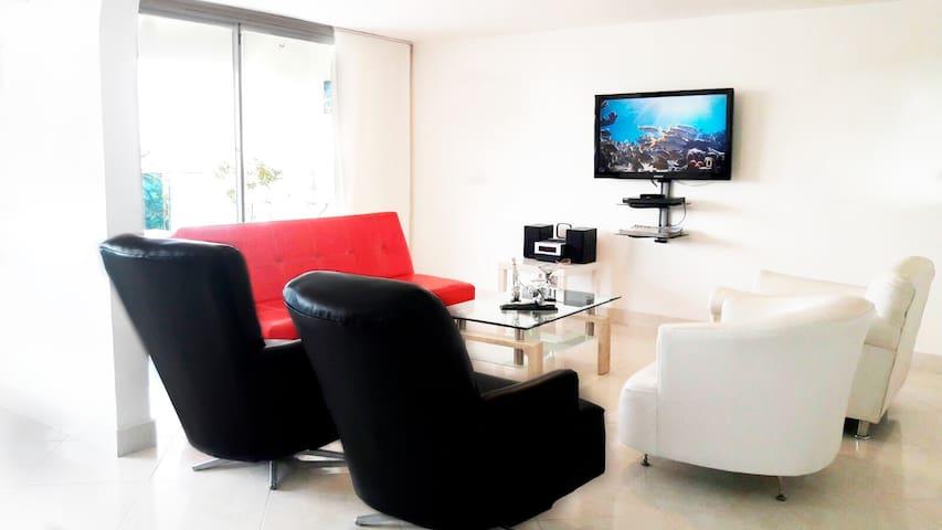 Sala con televisión y wifi
