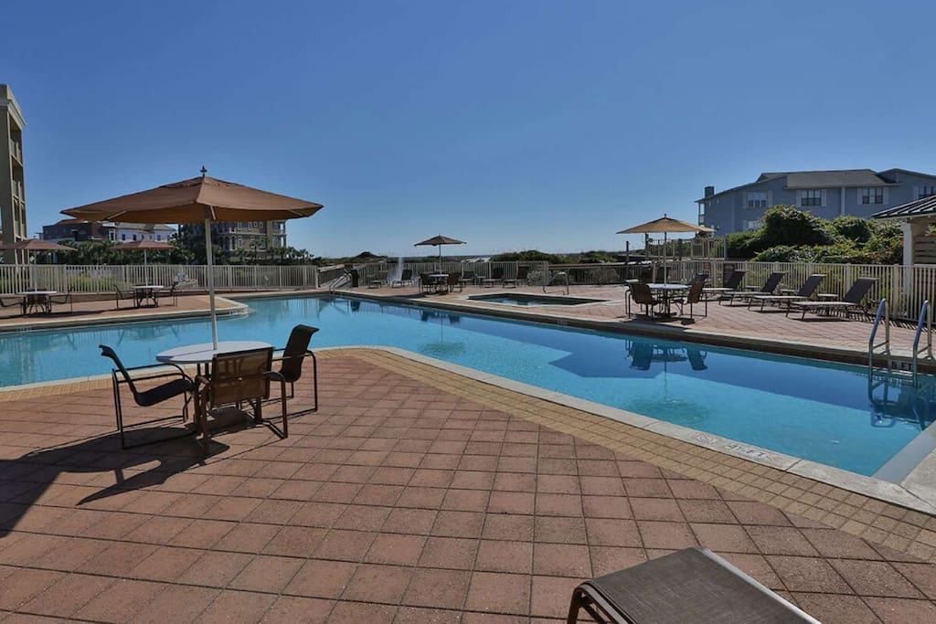 Community Pool - Relax Poolside - Soak up the Beautiful Gulf Sun while Visiting Madison's Retreat!