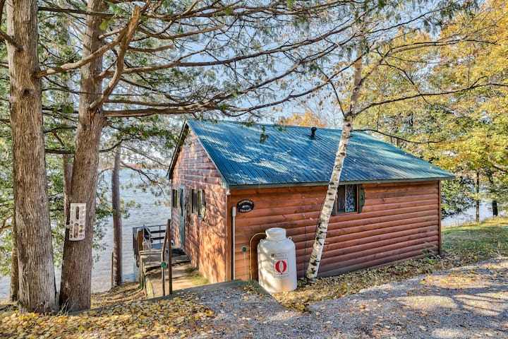 Algonquin Park Cabin with Kayaks, Canoes and SUPS