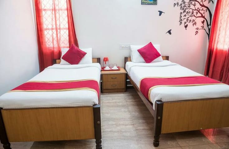 Nachis Bed and Breakfast Indiranagar