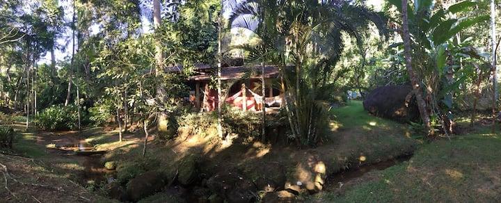 Casa charmosa e completa na praia de Ponta Negra