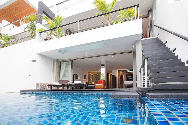 THTHHPH445- Luxury 3 Bedrm villa in Patong Phuket
