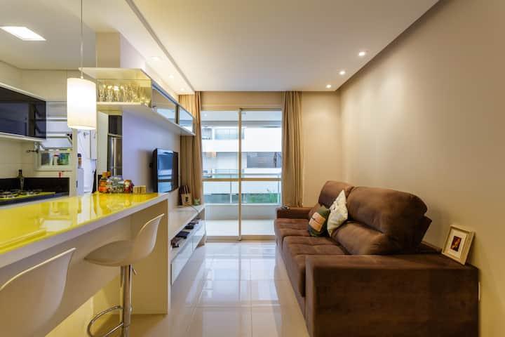 Quarto com tv, ar split e banheiro exclusivo