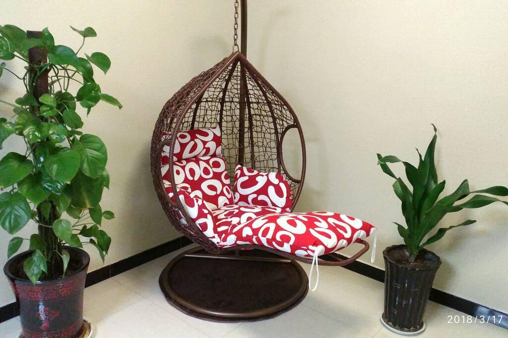 躺坐两用吊篮藤椅,躺着看书玩手机看电视简直不要太嗨哦!