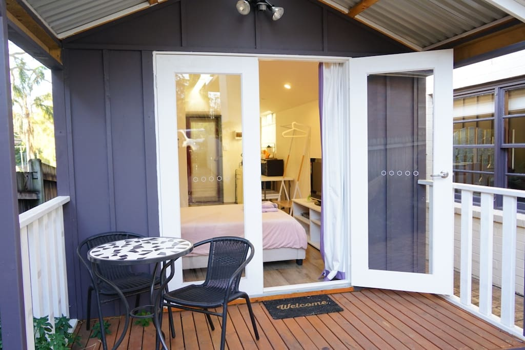 Separate and exclusive entry into the cabin. It is detached from the house and totally self-contained. Come and experience Aussie-style cabin living at its very best!