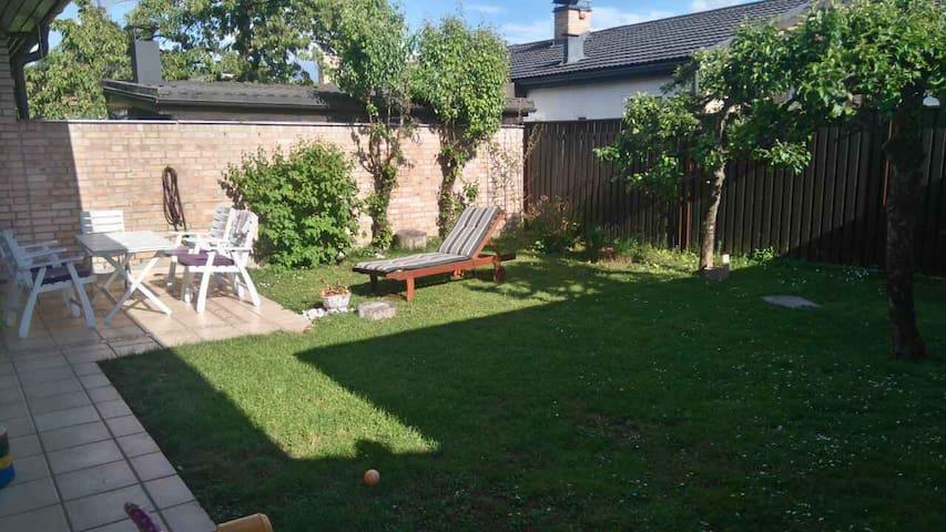 Terraced single storey house. Quiet green garden