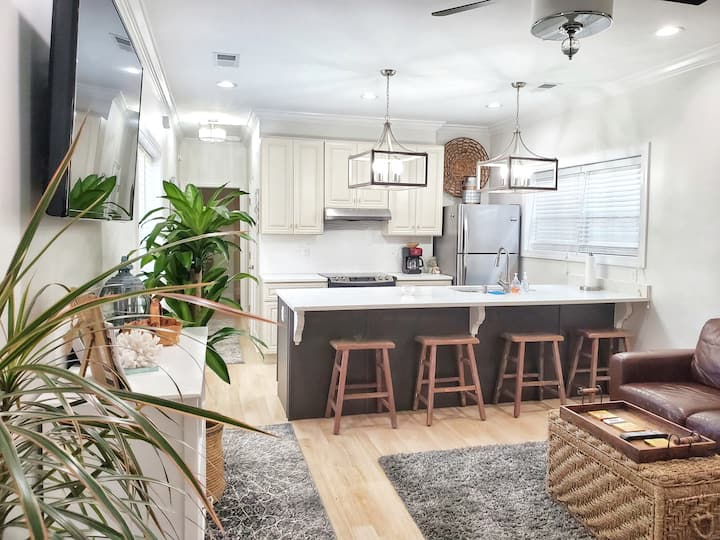 Ruby's Cottage/Brand New Close to Beach & Downtown