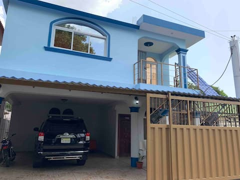Casa Privada con Kiosco Y Estacionamiento Gratis