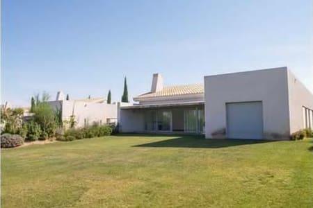 Lujosa villa, piscina privada, junto a la orilla - Huelva - Villa