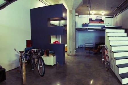 Furnished Two Story Luxury Loft - Long Beach - Loft