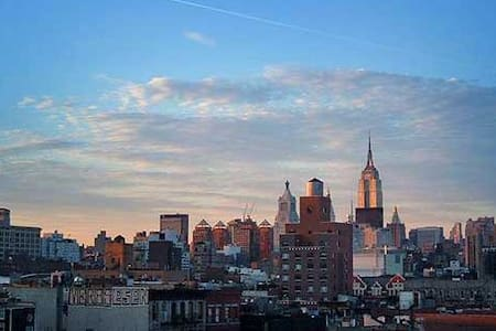1 Person Only 1 Bdrm LES/East Village HugeDeck - New York - Apartment
