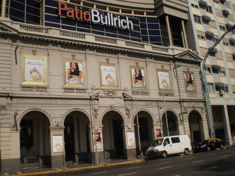 Central flat...Next to the shopping mall Patio Bullrich. Lots of transport, park infront, taxis.