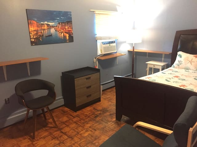 Beautiful Large Room in Prime Rockaway Location