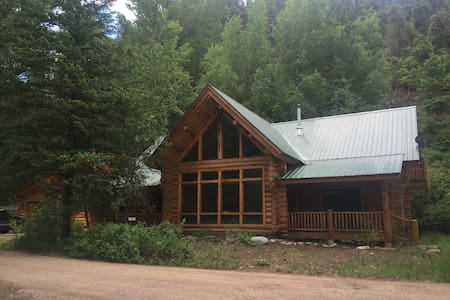 Log cabin home just outside Telluride - Placerville